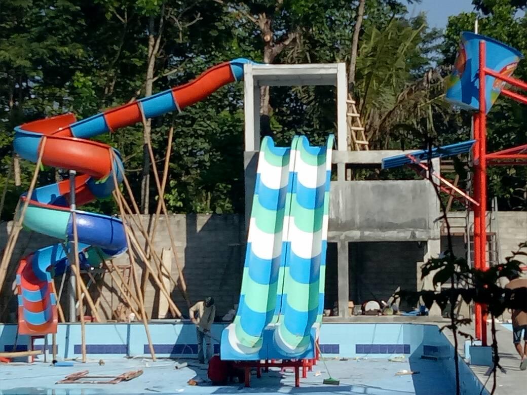 bisnis kolam renang waterboom