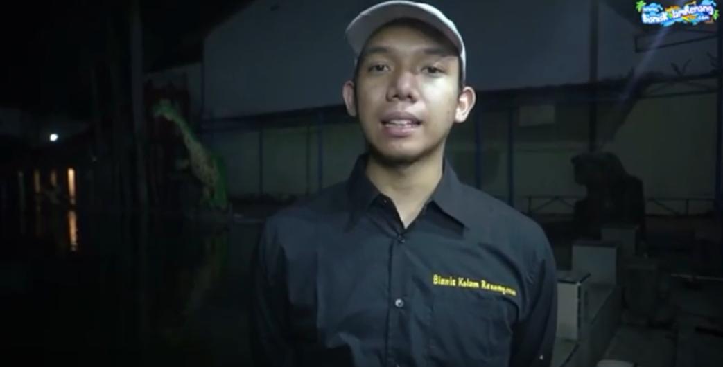 CARA MERAWAT AIR KOLAM RENANG SUAPAYA JERNIH (video)